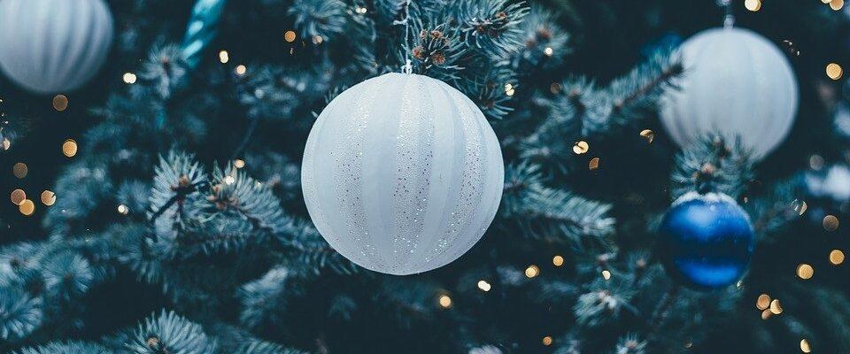 Letošním Vánocům dominuje minimalismus. Jak na něj?
